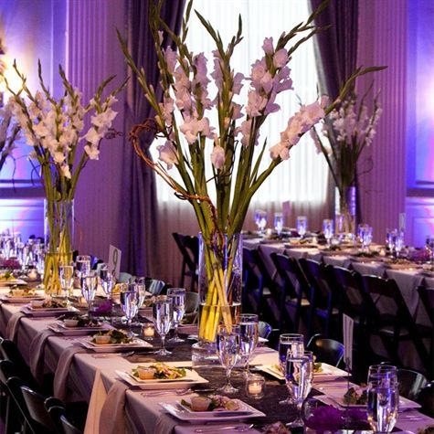 White Gladiolus Centerpieces.#glads #delicate follow #Labola.co.za for more fabulous flower trends.