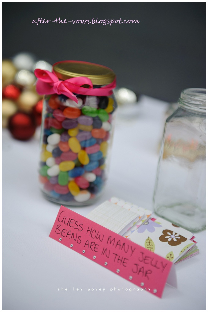 wedding games guess how many jelly beans in the jar