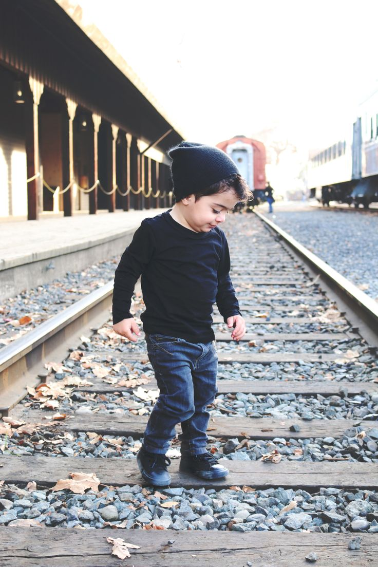 toddler boy picture photography