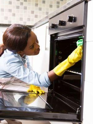 Nettoyer efficacement un four : Les meilleures astuces de grand-mère pour nettoyer votre cuisine - Linternaute