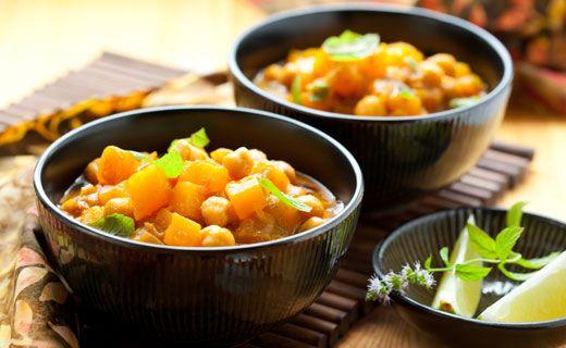 DINNER: Curried Chickpea Stew. 230 cals/serving.  #EpicureWLW