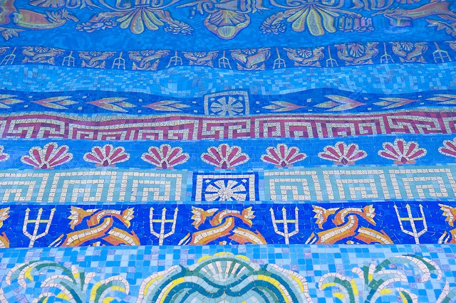 24 best mosaic seascapes images on pinterest mosaic art for Versace pool design