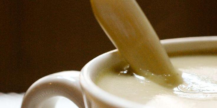 Clotildes blomkålsuppe - Soupe de Chou-Fleur, Curcuma et Noisette kaller franske Clotilde denne nydelige suppen. En blomkålsuppe du ikke har smakt maken til. Garantert.