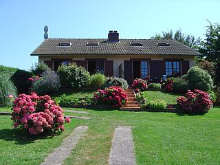 Sea view house with beautiful flower garden