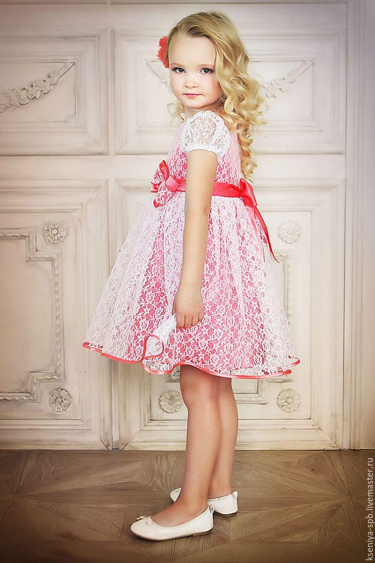 Маленькие девочки картинки в платьях