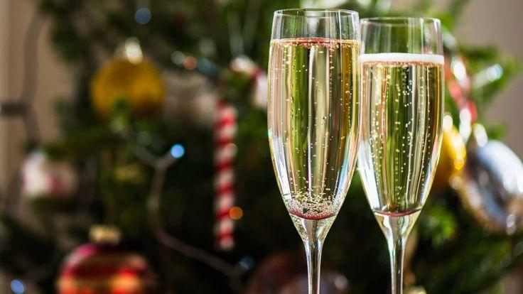 Champagne, calici di Chamapgne per brindisi di Capodanno 2016, Grandi vini