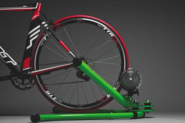 One-Hour Workout: Base-Building Bike Trainer Pyramids, from Triathlete.com #OneHourWorkout