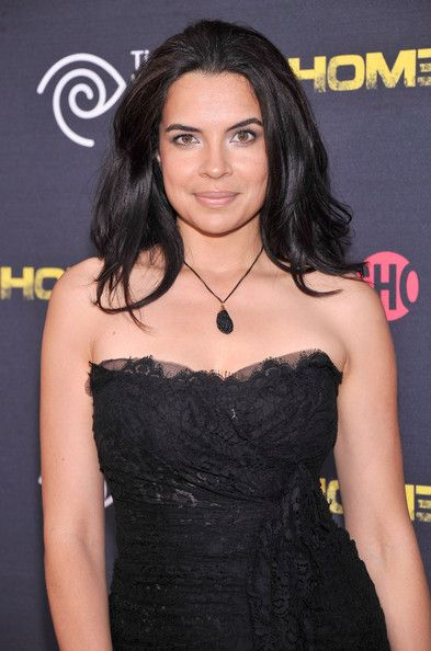 Zuleikha Robinson wears the EH Big Island necklace to the Homeland premiere