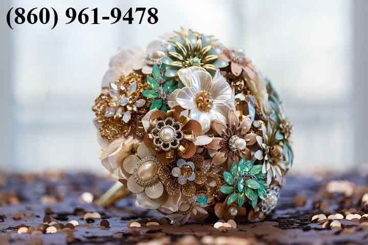 Custom Made Wedding Bouquets This energizing custom round Jeweled Bouquet highlights a magnificent determination of extraordinary rhinestone catches. It is moreover finished with a metal handle for support and quality. You can in like manner climb to have metal sprouts installed.