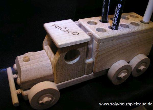 Spielzeug Stander fur Stifte aus Holz mit Gravur