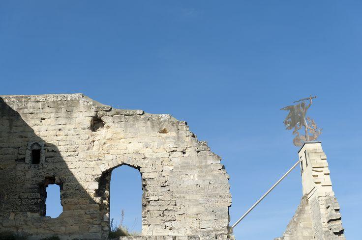 De Kasteelruïne van Valkenburg aan de Geul heeft een rijke geschiedenis die terug gaat tot de 11de eeuw. Vanaf de burcht heeft een prachtig panorama-uitzicht over Valkenburg en haar omgeving.  Voor bezoekersinformatie: http://www.kasteelruinevalkenburg.nl/  #mergel #fluweelengrot #Valkenburg #Limburg #kastelen #ruine #familie