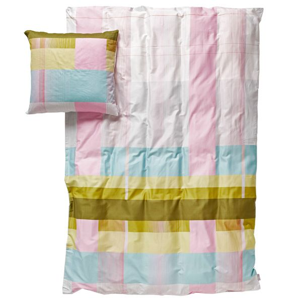 The designer duo Scholten & Baijings has developed collections of bed linen: Colour Block is a collection with complex coloured designs and is available in different beautiful colours.  Colour Block collections are made of 100% cotton satin and the colours are carefully screenprinted on shiny cotton.