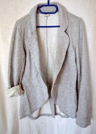 Kup mój przedmiot na #vintedpl http://www.vinted.pl/damska-odziez/marynarki-zakiety-blezery/9877800-marynarka-dresowa-blezer-esprit-40-l