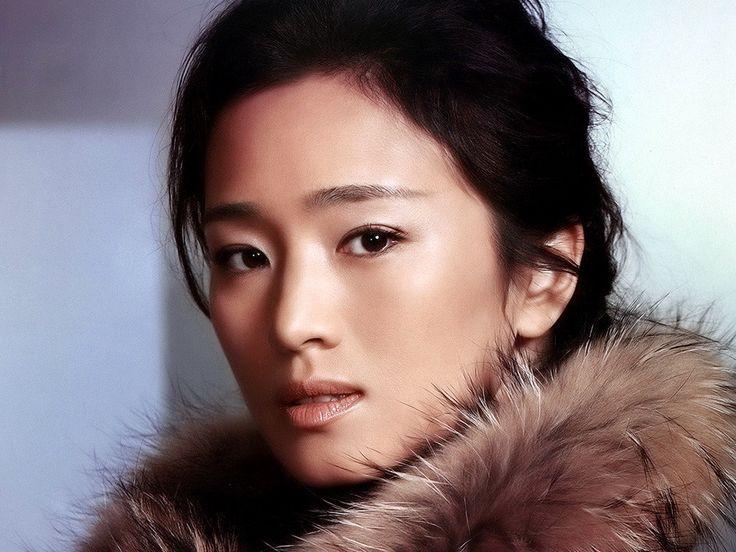 The Vogue, stylish and Sex Gong Li ... Plushy wet lips... She starred as Li Yilong in What Women Want (2011)