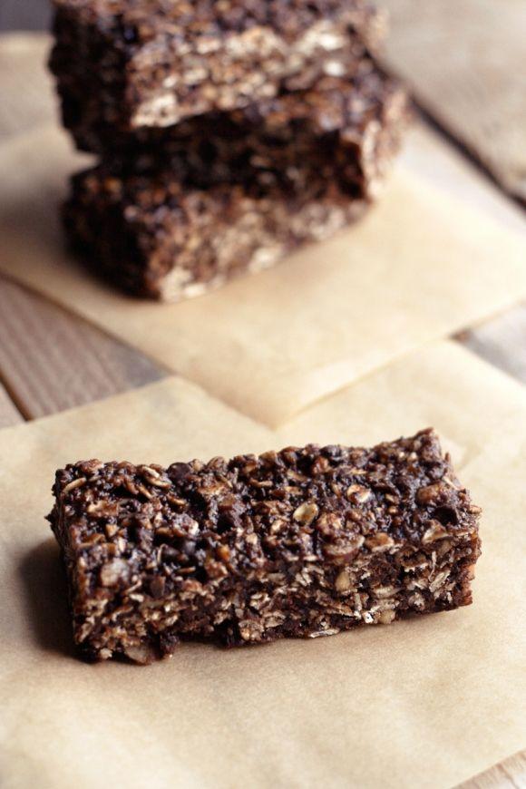 Chocolate Peanut Butter Road Trip Energy Bars (Gluten Free, Vegan, Refined Sugar Free)  Restricted Diets: Road Trip Energy Bar Recipe