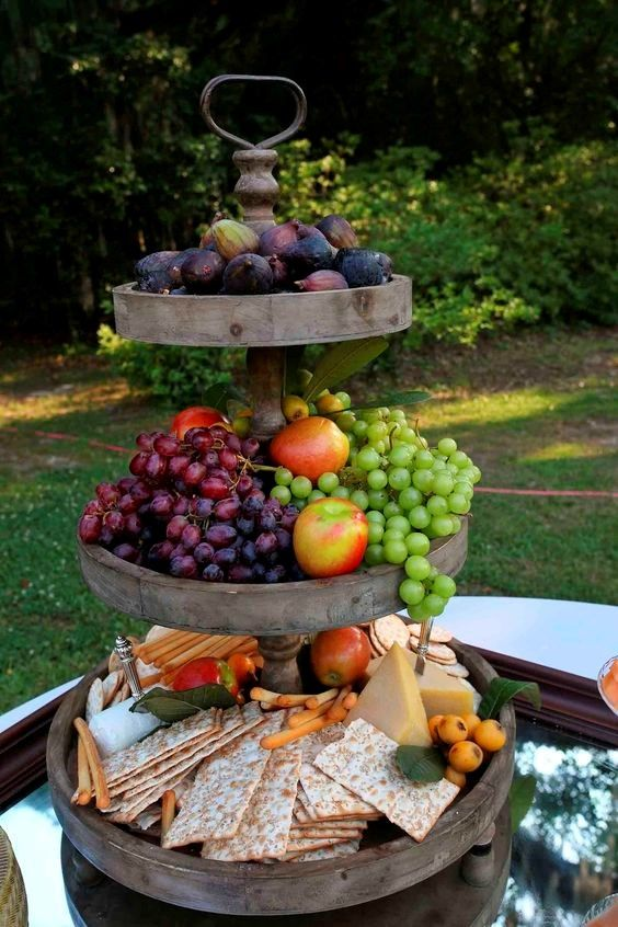 This cheese, cracker and fruit tower. Photo | Pinterest