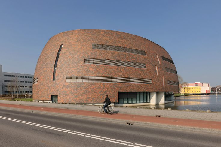 Zernikeborg. University Groningen Netherlands Design: Inbo architects Photo: Dirk Verwoerd