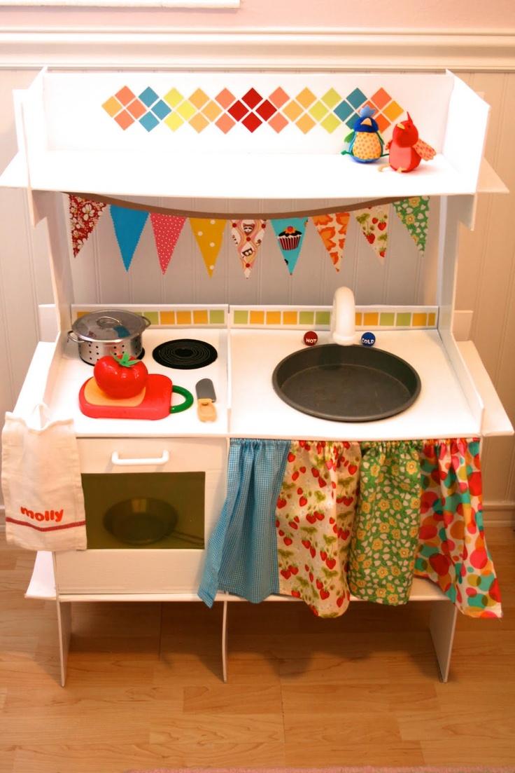 cardboard kitchen - cuisine en carton jolies couleurs
