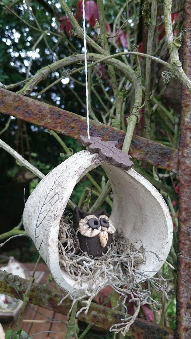 Diese Eule sitzt schön gemütlich in einem Blätternest...Hänger fürs Fenster…