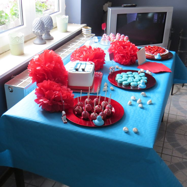 #sweettable #sweet #table #happy #birthday #cake #birthdaycake #boy #red #rouge #blue #turquoise #bleu #cupcake #popcake #fraises #tarte #strawberry