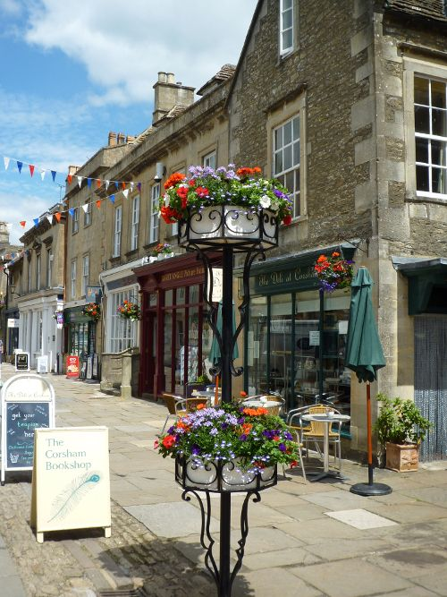 Visit Corsham - The historic market town surrounded by beautiful countryside http://www.periodideas.com/5165-2