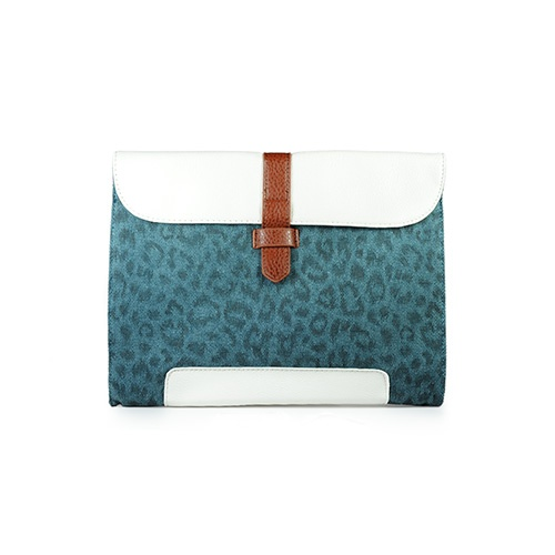 Nila Anthony Leopard Clutch in Teal. :: color crushLeopards Clutches, Fall Style, Blue Leopards, Anthony Leopards, Purses Bags, Clutches Teal, Anthonyleopard Clutches, Purses Handbags, Nila Anthonyleopard