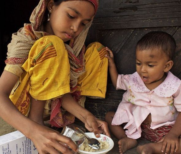 Nearly 1/2 all deaths in kids under 5 are due to undernutrition. Help change this & buy a survival food kit with therapeutic food. #SurvivalGifts