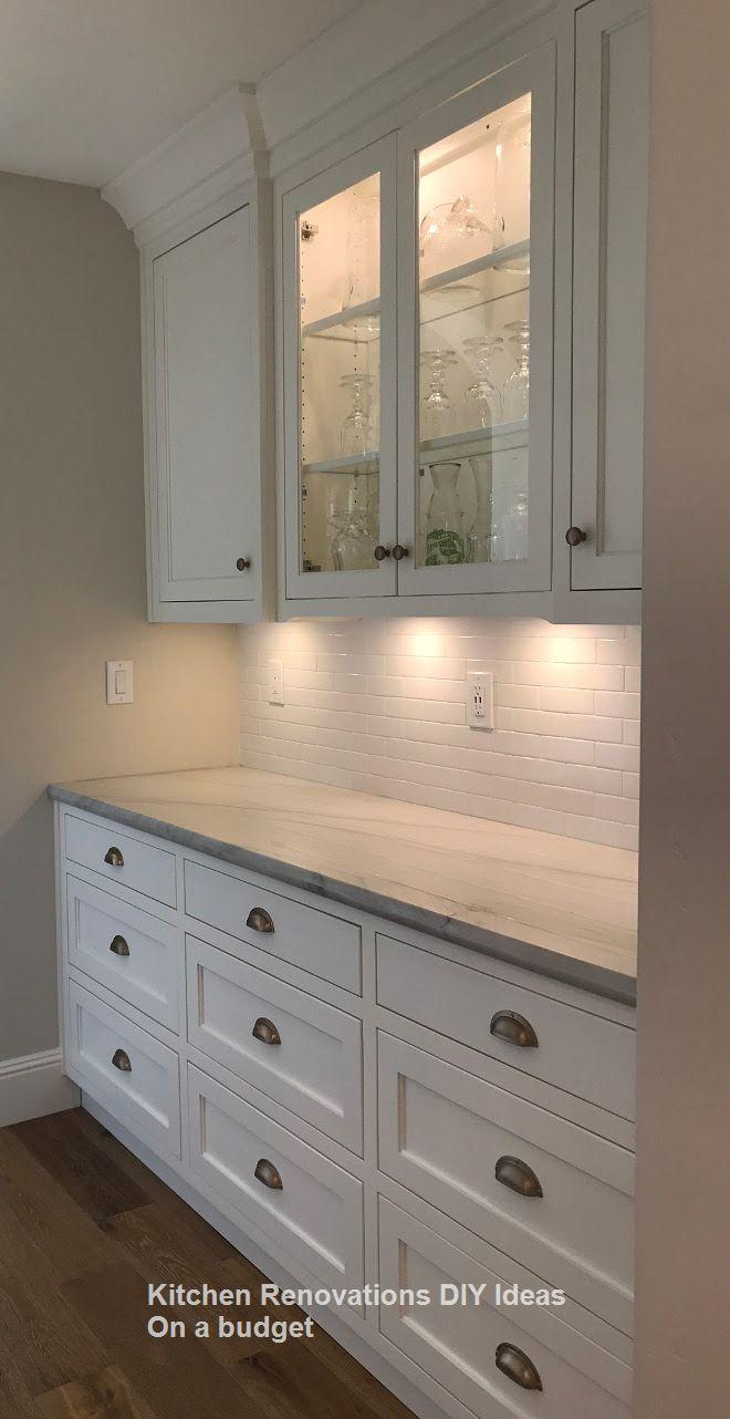 New Diy Kitchen Renovations And Makeovers Ideas On A Budget Kitchenideas Kitchen Renovation Inspiration Kitchen Remodel Countertops White Kitchen Renovation