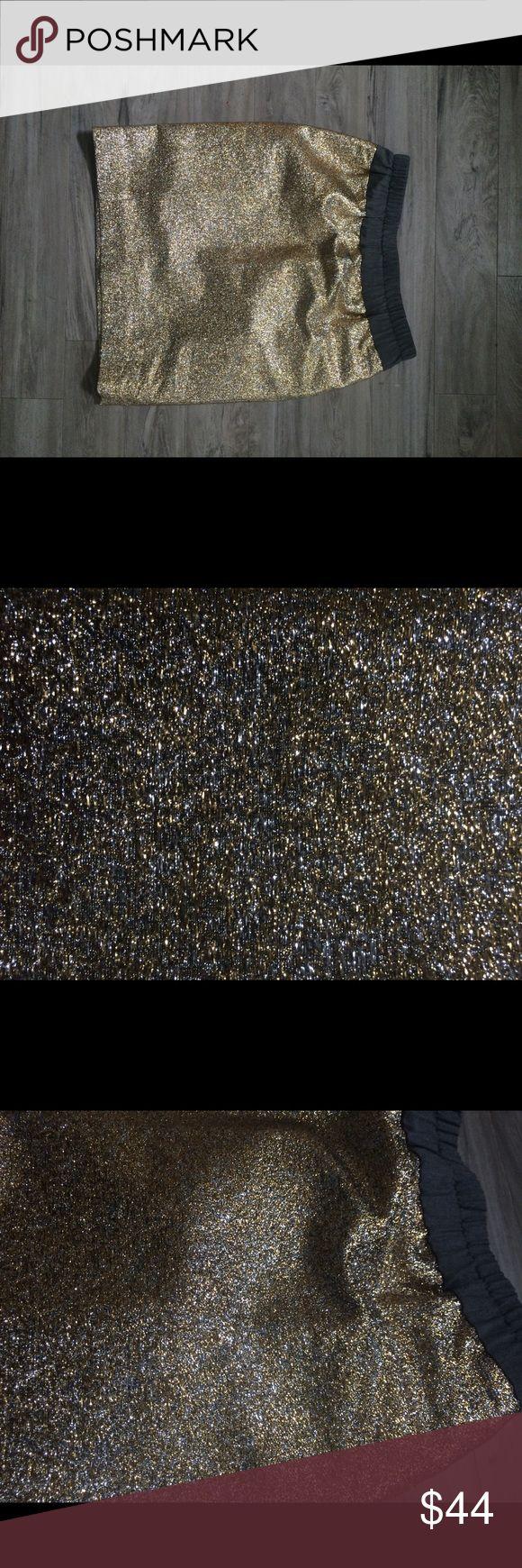 J. CREW 100% Linen lined metallic skirt NEOT Sz 2 J. CREW 100% Linen lined metallic skirt NEOT Sz 2. Excellent condition. Never worn. Wool and metallic exterior; Linen interior. See pictures for measurements. B12 J. Crew Skirts