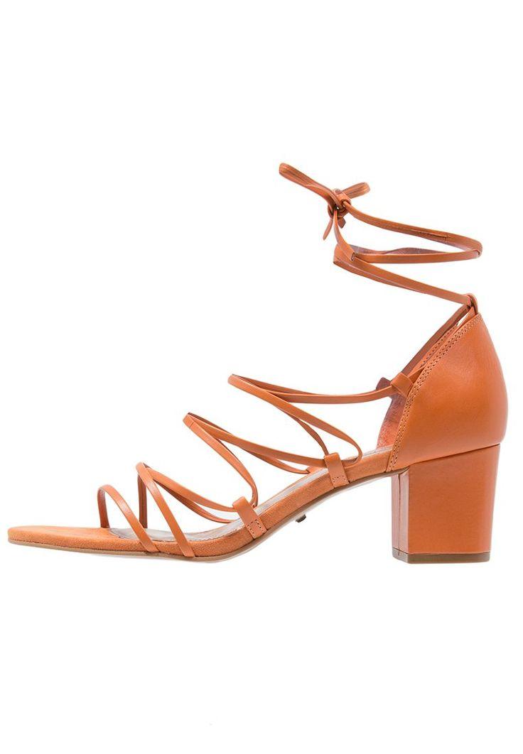 Topshop NAVAJO sznurowane na kostce Sandały orange