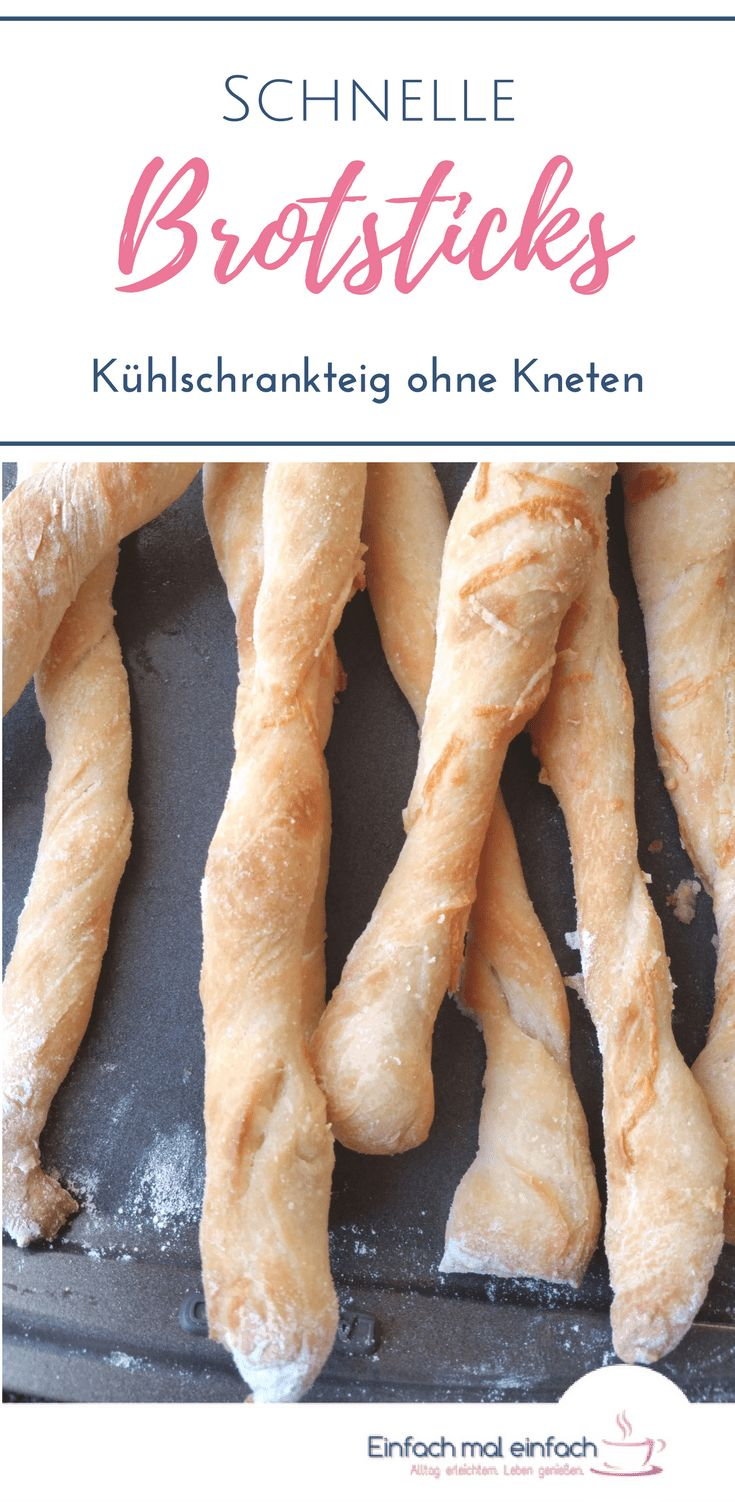 Brotsticks sind das perfekte Fingerfood für jede Karnevalls Party. Kinder lieben sie, weil sie handlich und lecker sind - und Hobbyköche, weil sie vielseitig, schnell und einfach zubereitet sind. Dieses Rezept für gesunde Brotstangen kannst Du unkompliziert vorbereiten und die Sticks ganz nach Wunsch abwandeln!