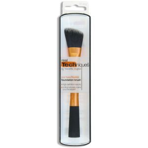 REAL TECHNIQUES FOUNDATION BRUSH  £8.99
