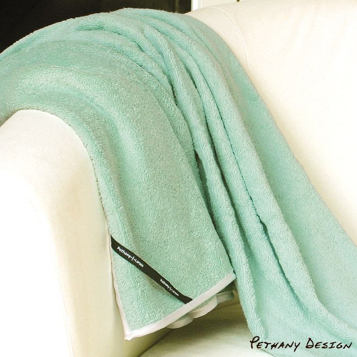 [ Essens Towel Throw ] Material: Cotton. Designed in 2007 for Pethany+Larsen. Made in Taiwan.