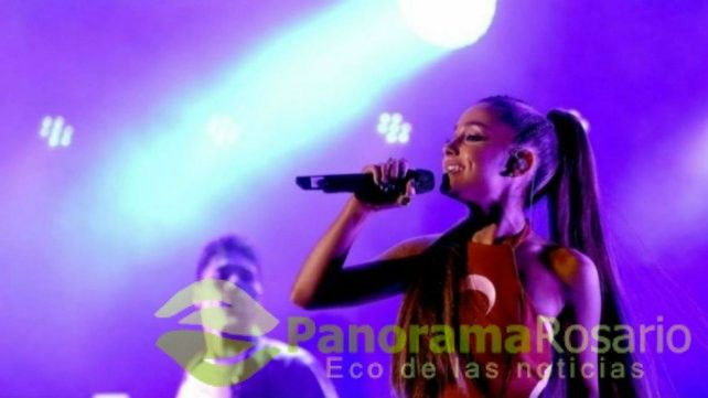 Ariana Grande brilló en su paso por el país rodeada de invitados famosos