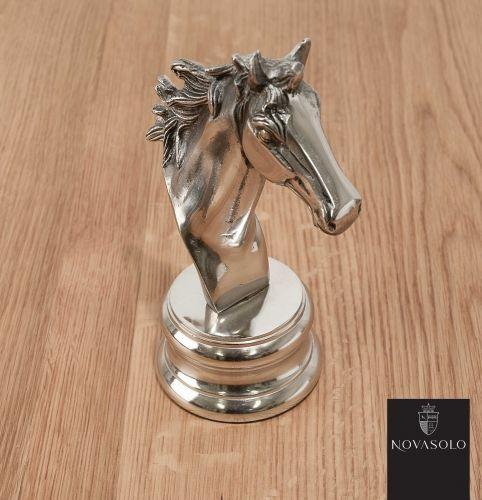 Flott og dekorativ Mayfair hestehode i aluminium. Den perfekt gaven til den