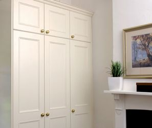 Oxford Built-In-Robes – optional treatments available up to ceiling height