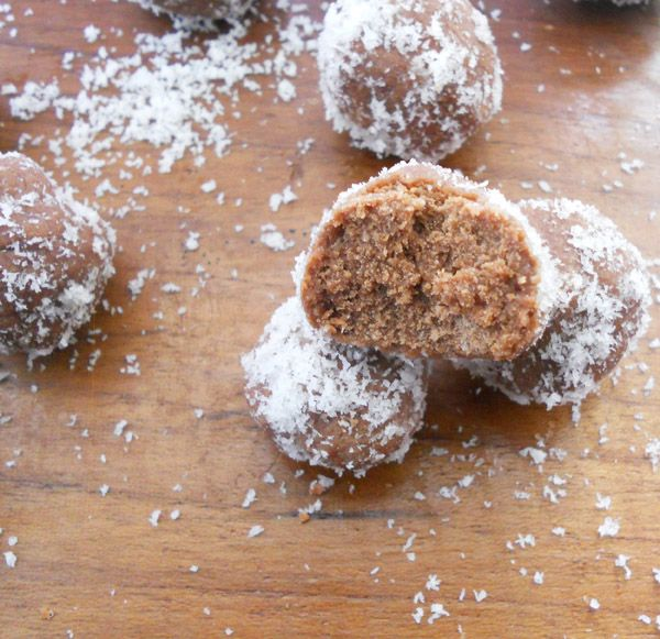 Easy eggless chocolate balls...no cooking or baking...step by step.