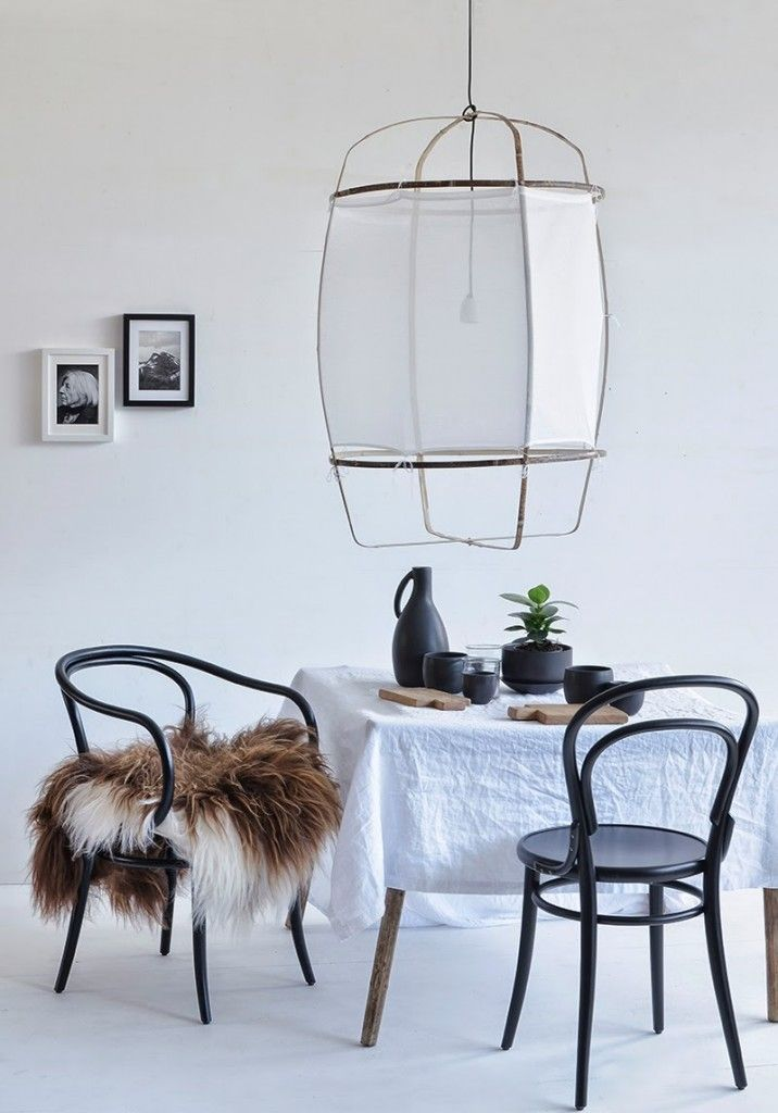 Lovely dining space via Decordots. Photo by Sonja Maria Rettensteiner.