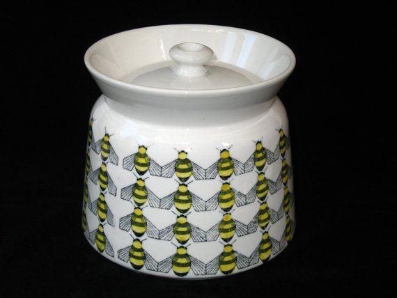 Arabia Finland Rare BEES Covered Sugar Bowl Kaj by ModandMore