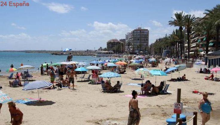 Hasta 1.500 euros de multa por bañarse con bandera roja en las playas de Torrevieja
