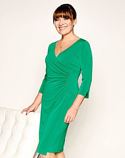 Loving the colour of this wrap dress on Lorraine Kelly!