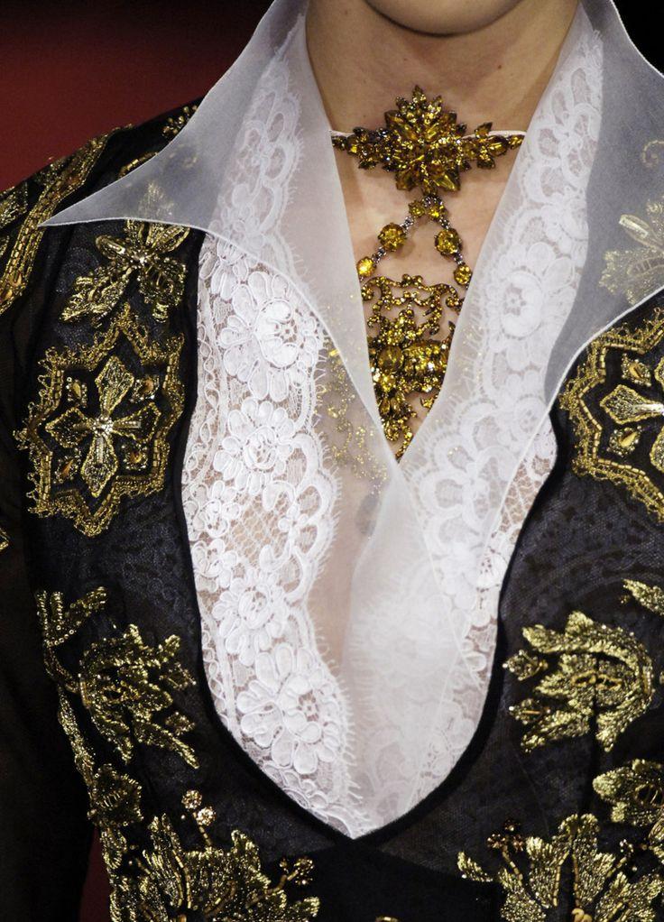 Christian Lacroix  haute coutureBlack And Gold, Fashion Details, Spring 2006, Christian Lacroix, High Lacroix, Black Gold, Lacroix Spring, 2006 Couture, Haute Couture