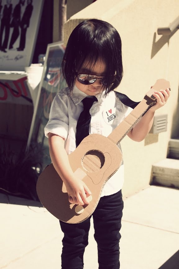 omg. this 3 year old had a beatles party!!!!!!!!!!