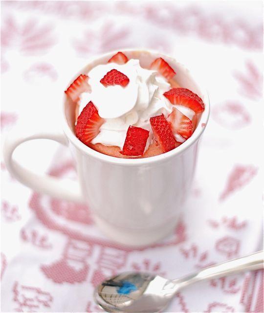 Microwavable Strawberries  Cream Mug Cake  -egg  -strawberry yogurt  -vegetable oil  -baking powder  -vanilla extract  -granulated sugar  -all-purpose flour  -sliced strawberries  -whipped cream