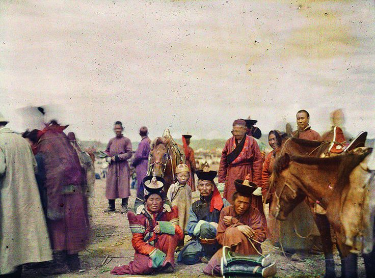 The Mongolian minister of finance in the marketplace, Urga, Mongolia, 22 July 1913, Stéphane Passet, public domain via Wikimedia Commons.