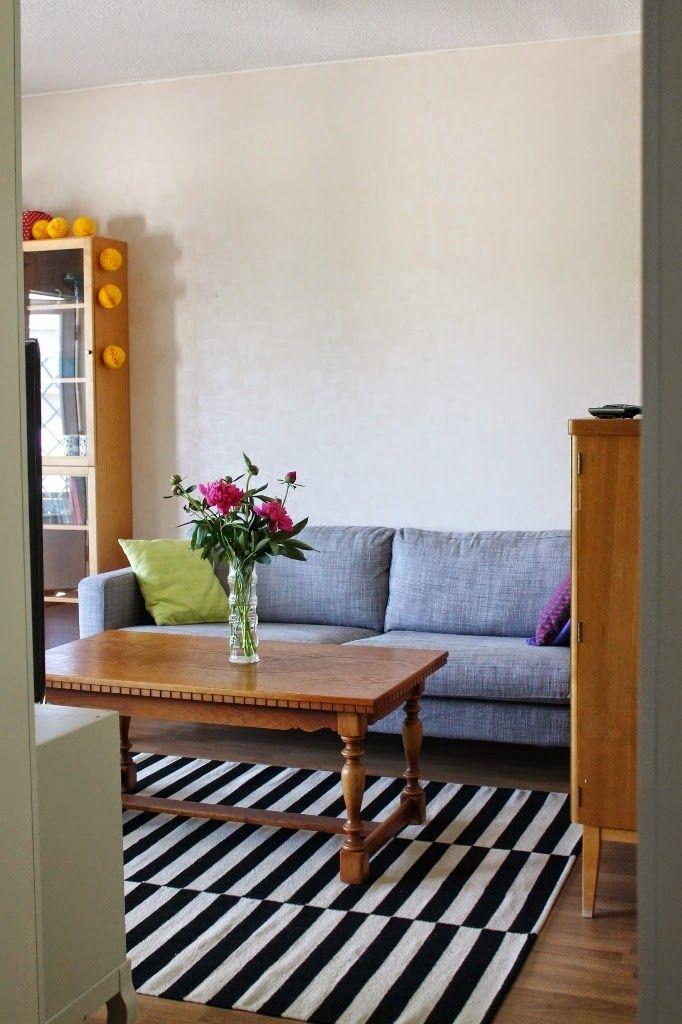 My living room. Ikea rug, old table and Ikea sofa.  http://omankatonalla.blogspot.fi/2014/07/olkkari.html