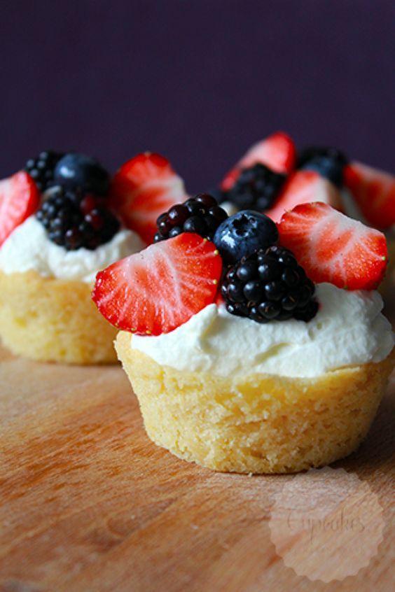 Cookie cups met fruit, vergeet cupcakes en bak deze verrassende koekjes