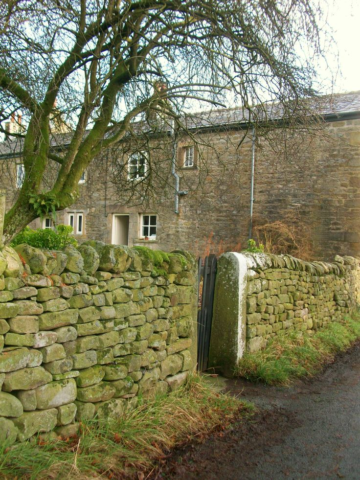 Country cottages stone wall