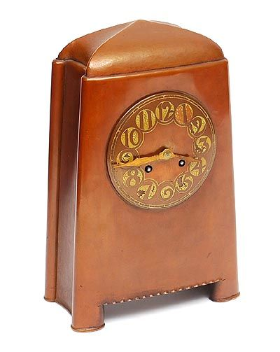 Hammered copper Amsterdam School mantel clock with lacquered numbers designer unknown executed by Winkelman van der Bijl Amsterdam / the Netherlands ca.1925