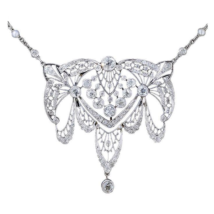 Platinum and diamond necklace from La Belle Époque.
